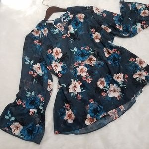 Elle plus size XXL blue floral long sleeve top